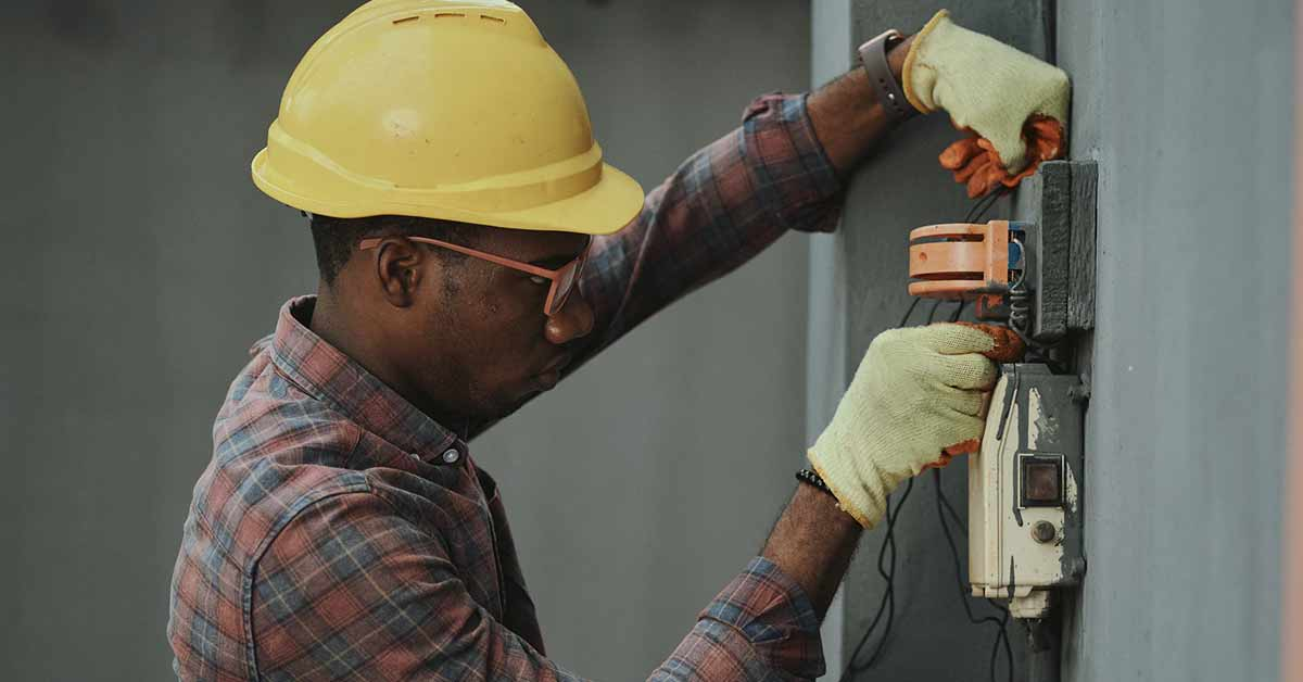 where to find insurance for electrician